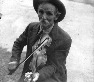 public-domain-fiddler-p